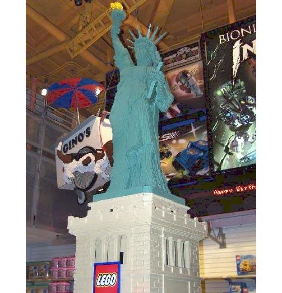 lego-statue3