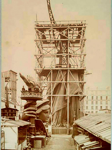 Assemblage-of-the-Statue-of-Liberty-in-Paris