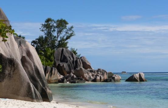 plage-rocher