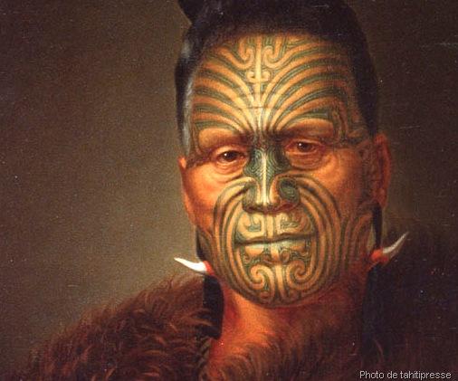 realisation-tatouage-tribal-visage