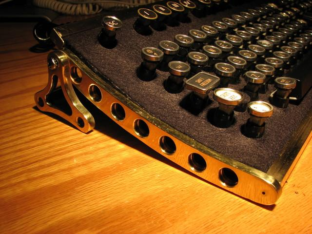 steampunk-keyboard1