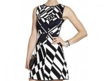 robe-patineuse-bicolore-motif-graphique-asymetrique-